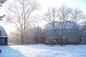 Das Haupthaus im Dezember